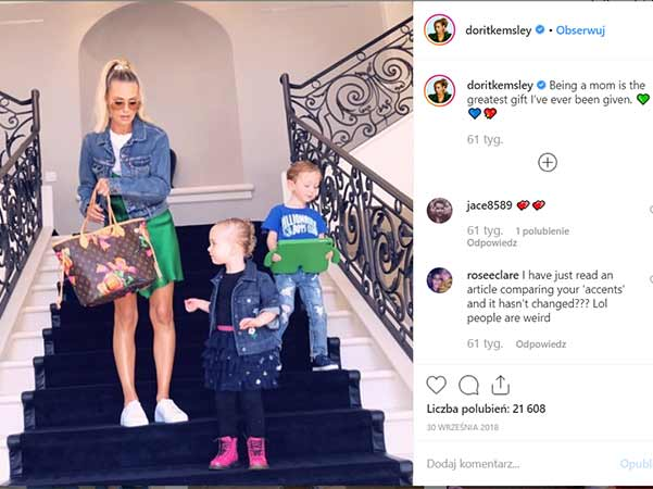 Dorit Kemsley with her daughters