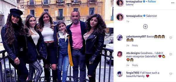 Image of Caption: Joe Giudice with his ex-wife Teressa Giudice and along with their kids
