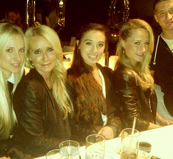 Image of Gregg's former wife, Kim Richards with her three daughters and son, went for a dinner in 2019
