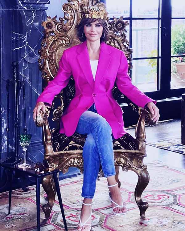 Image of Lisa Rinna is the main cast of The Real Housewives of Beverly Hills